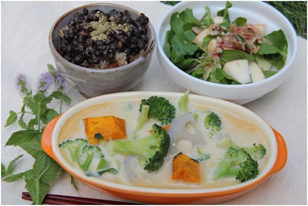 野菜のシチュー風豆乳グラタン 他2品